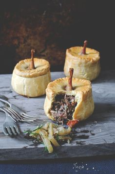 Braised quail & spatchcock pie with fennel, pear & thyme relish