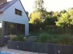 Jardin en pente id es d 39 am nagement et conseils for Ardoise decorative jardin