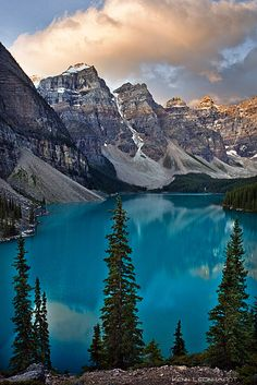 Valley of the Ten Peaks and Moraine Lake, Banff National Park, Alberta, Canada