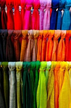simple mono-coloured dupattas. Read more http://fashionpro.me/choosing-dupatta-complement-outfit