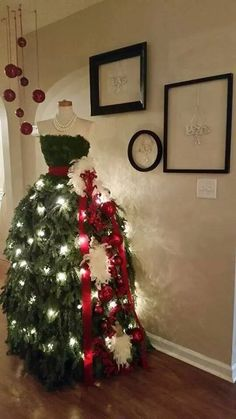 #Garner Style Like this Dress Form Christmas tree? Click on the photo to purchase a DIY tutorial to show you how to make one like it.