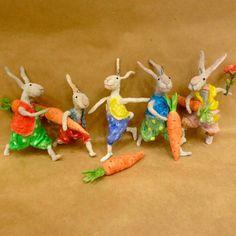 Приглашаю на увлекательный мастер-класс по новогодним игрушкам из ваты! В этот раз будем делать зайчика с морковкой. Это как раз те игрушки, которые будут переходить из поколения в поколение от вас к вашим детям, внукам, правнукам! Игрушки, которые пропитаны теплом и домашним уютом! Игрушки, которые трогают даже самые чёрствые сердца! С собой вы унесёте готовую игрушку, которой останется всего…