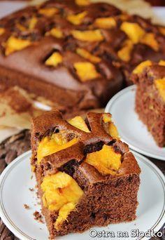 czekoladowe ciasto , czekoladowe z brzoskwiniami , czekoladowe ucierane , ciasto brzoskwiniowe , ciasto z owocami , ostra na slodko , pyszne ciasto , latwe ciasta (5)xx