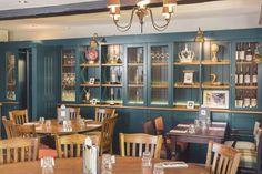 The Queens Head, gastro pub, pub, restaurant, storage, decorative storage, blue wall, casual dining