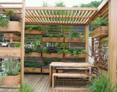 Way cool!!!!! great pallet idea!
