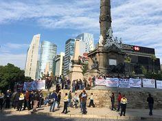 Transportistas realizan mitin en el Ángel de la Independencia