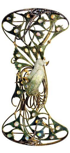 PEACOCK PECTORAL France, ca.1898-1900, Gold, enamel, opals, diamonds H. 9.2 cm; W. 19 cm Inv.° 1134