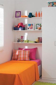 Very Small Bedroom, Small Bedroom Designs, Small Room Design, Small Room Bedroom, Bedroom Layouts, Room Ideas Bedroom, Bedroom Decor, Study Room Decor, Teen Room Decor