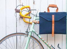 自転車通勤用サイクルバッグはこれで決まり!―「JAAR LA001」は、バックパックでもメッセンジャーバッグでもない第3の選択肢 - えん乗り