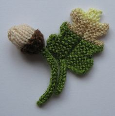 Knitting Pattern Oak Leaf : 1000+ images about Knitted Leaves & Flowers on Pinterest Knit flowers, ...