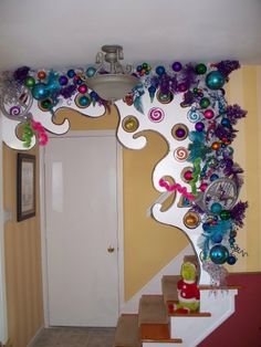 how the grinch stole christmas tree ideas Whoville Christmas Decorations, Grinch Christmas Decorations, Grinch Who Stole Christmas, Christmas Yard, Whimsical Christmas, Christmas Themes, Christmas Holidays, Christmas Crafts, Merry Christmas