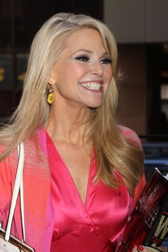 Picture of Christie Brinkley Mature Fashion, Women's Fashion, Tapered Haircut, Top Stylist, Christie Brinkley, Hair Photo, Celebs, Celebrities, Cut And Color