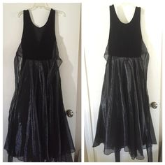 Dress used. Stretchy on top it can XL Dress used. Stretchy Speed Dresses
