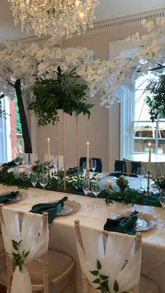 Long Table Wedding, Our Wedding, Dream Wedding, Wedding Table Ideas Elegant, Elegant Table Settings, All White Wedding, Sophisticated Wedding, Elegant Wedding, Wedding Themes