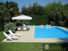 Prestigious villa for sale in Forte dei Marmi, ref421