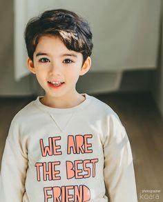 Read kenalan) from the story gadis boneka(girl Doll) by aLhadya (meylisa alfaliza taufik) with reads. Stylish Little Girls, Cute Little Boys, Cute Baby Boy, Cute Kids, Cute Asian Babies, Korean Babies, Asian Kids, Kids Boys, Baby Kids