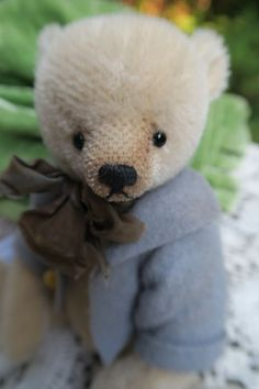 "Aerlinn Bears Esther Pepper OOAK Mohair Teddy Bear ""Barbus""   eBay Dont Feed The Bears, Fabric Animals, Warm Fuzzies, Love Bear, Old Toys, Teddy Bears, Baby Dolls, Bunny, Beer"