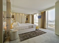 Stunning luxury interior design ideas for modern boutique hotels. Contemporary Interior Design, Luxury Interior Design, Best Interior, Interior Architecture, Las Vegas Suites, Hotel Suites, Hotel Lobby Design, Relaxation Room, Hotel Decor