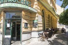 """Gastwirtschaft Blauensteiner - Seit Anfang Juli 2009 ist das ebenso beliebte wie traditionsreiche Blauensteiner-Lokal """"Zur Stadt Paris"""" in Wien Josefstadt unter neuer Leitung wieder geöffnet. In den schönen, hohen Räumen soll die schon rar gewordene Tradition der gepflegten, trotzdem preiswerten Wiener Wirtshäuser und bürgerlichen Restaurants wieder aufleben. Wir sind ein Nichtraucherlokal. Lokal, Places To Go, Restaurants, Paris, Alone, Blue, Montmartre Paris, Restaurant, Paris France"""