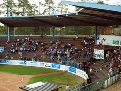 Estádio de beisebol Kitron, em Alajärvi, província de Finlândia Ocidental, Finlândia. Fotografia: Santeri Viinamäki. Wikimedia Commons, Ems, Hs Sports, Fotografia