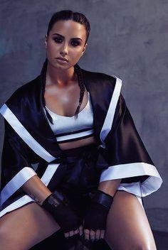 Demi Lovato Demi Lovato, Kylie J, Old Singers, Beautiful Celebrities, Beautiful People, Beautiful Women, American Singers, Woman Crush, Girl Crushes