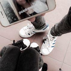"Tumblr Photos 💁🏼 na Instagramie: ""@martinaklimczak 💞💞💞 #tumblrphoto #superstar #adidas #bff #sneakers #girls #tumblrgirls #snap #friends #tumblrpost #tumblrinstagram #przegladinstagrama #fajnyprogram"""