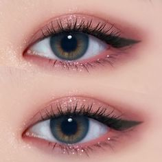 35 Pink Eye Makeup Looks To Try This Season! Pink eye makeup is going to be a big beauty trend for summer. So take a look at some of the best pink eye makeup looks, there is sure to be a look for you. Pink Eye Makeup, Day Makeup, Cute Makeup, Makeup Goals, Makeup Inspo, Makeup Eyeshadow, Makeup Ideas, Pink Eyeliner, Eyeliner Ideas
