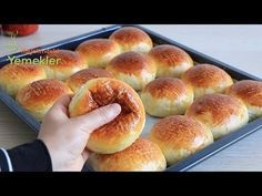 You haven't seen this soft yogurt before Pamuk Poğaça Recipe Pogaca Recipe, Simit Recipe, Sweets Recipes, Baby Food Recipes, Cookie Recipes, Snack Recipes, Food Without Fire, Dinner Rolls Easy, Low Carb Burger