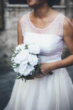 Bouquet da sposa di rose di carta fatte a mano. San Gimignano, settembre 2014.