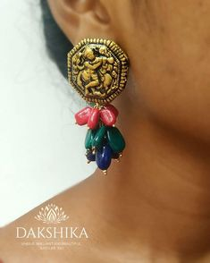 These Trendy And Stunning Terracotta Jhumkas Are For The Quirky Bride-To-Be. For more such wedding jewellery inspirations, stay tuned with shaadiwish. Indian Jewelry Earrings, Unique Earrings, Wedding Jewelry, Unique Jewelry, Jewelry Design, Silver Jewelry, Terracotta Earrings, Terracotta Jewellery, Wedding Jewellery Inspiration