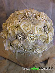 Brooch Bouquets, Green Art, Artificial Flowers, Dublin, Html, Satin, Cake, Wedding, Food