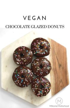 Vegan Chocolate Glazed Donuts with sprinkles to devour during your next sugar craving. The best baking inspiration here cook in your home this super simple recipe! Vegan Donut Recipe, Vegan Doughnuts, Donut Recipes, Vegan Cupcakes, Baked Donuts, Chocolate Glaze, Vegan Chocolate, Chocolate Recipes, Dessert Chocolate