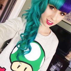 Keep thinking of doing my hair two tone, just hard to pick the colours! Here is a blue and purple two tone, very pretty Aqua Hair, Pastel Hair, Purple Hair, Half And Half Hair, Sunset Hair, Cool Hair Color, Hair Colors, Dye My Hair, Scene Hair