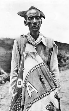 Africa | Elderly Mututsi man | Vintage postcard