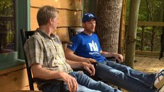 Racecar driver and Treehouse Masters fan Dale Earnhardt, Jr. shows us the treehouse he built using Pete Nelson's designs. Southern Men, Male Makeup, Dale Earnhardt Jr, Treehouse, A Team, Race Cars, Masters, Planets, Tv Shows