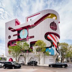 This surrealist Miami garage is unlike any parking structure you've ever seen Johnston Marklee, Studios, Exhibition Space, Built Environment, Brutalist, Architectural Digest, Graffiti Art, Architecture Design, Miami Architecture