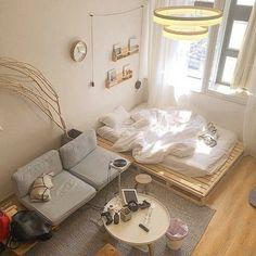 ~ Schlafzimmer Inspiration und Ideen - home Studio Apartment Decorating, Apartment Interior, Room Interior, Studio Apartment Furniture, Studio Apartment Living, Tiny Studio Apartments, Apartment Hacks, Studio Living, Living Room