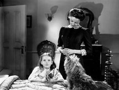 Mrs. Muir and her daughter Anna Muir, played by Natilie Wood.