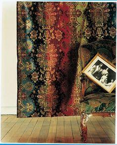 modernisation d 39 une t te et d 39 un pied de lit en corbeille louis xv tissu les jardins de mysore. Black Bedroom Furniture Sets. Home Design Ideas