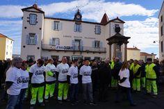 Minute de silence des employés et habitants de #Cournon jeudi 8 janvier 2015 #jesuischarlie