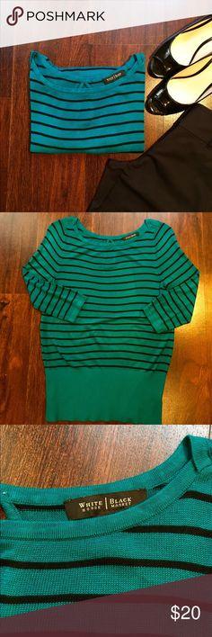 White House Black Market Keyhole Back Sweater ✔️100% Rayon ✔️Keyhole Back ✔️EUC White House Black Market Sweaters