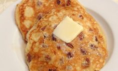 This makes a nice weekend breakfast. The amount of servings depend on how big or small you make the pancakes. Make sure the ingredients are at room temperature. What's For Breakfast, Breakfast Pancakes, Best Breakfast Recipes, Brunch Recipes, Pecan Pancakes, Homemade Buttermilk, Baking Recipes, Food To Make, Favorite Recipes