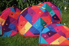 Alexandra Kingswell - finding new pattern by exploring the beauty of colour, number, sequence and proportion through the medium of fabric. Picnic Blanket, Outdoor Blanket, Quilts, Fabric, Pattern, Color, Tejido, Colour, Patch Quilt