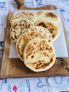 Bread Recipes, Pancakes, Food And Drink, Cookies, Breakfast, Desserts, Meals, Crack Crackers, Pancake