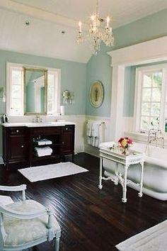 #decor , #green - lindo banheiro estilo clássico