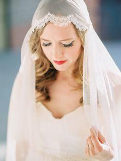 Vintage romance | Photography: Daniel Kim Photography - danielkimphoto.com/  Read More: http://www.stylemepretty.com/2015/05/22/fly-me-to-the-moon-arizona-wedding-inspiration/