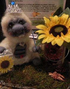 I thought everyone would like to check out a very talented Needle Felters new blog, the story is great!