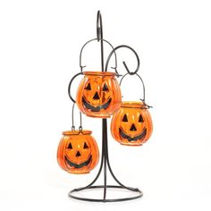 Pumpkin Patch in Halloween 2012 from Yankee Candle love it have the older version Halloween Queen, Halloween Jack, Holidays Halloween, Halloween Ideas, Halloween Party, Yankee Candle Halloween, Halloween Candles, Halloween Decorations, Lantern Candle Holders