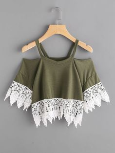 SheIn offers Contrast Crochet Lace Trim Tee & more to fit your fashionable needs. Really Cute Outfits, Cute Casual Outfits, Pretty Outfits, Stylish Outfits, Girls Fashion Clothes, Teen Fashion Outfits, Mode Kpop, Belly Shirts, Vetement Fashion