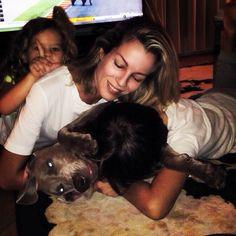 #RobertaRuiu Roberta Ruiu: Lo chiamano... Amore❤️ They call it LOVE ❤️ Buongiorno!Noi ci svegliamo così ... #love #amore #family #mother #motherandchild #lovemyfamily #ilovemydog #weimaraner #together #happymoments #dog #sweet #adorable #smile #instagramdogs #animals #puppy #dogoftheday #tagsta_nature